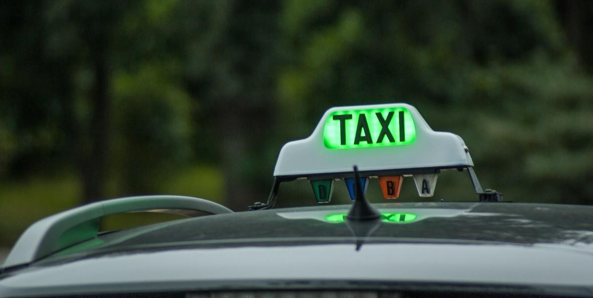 sopir taxi